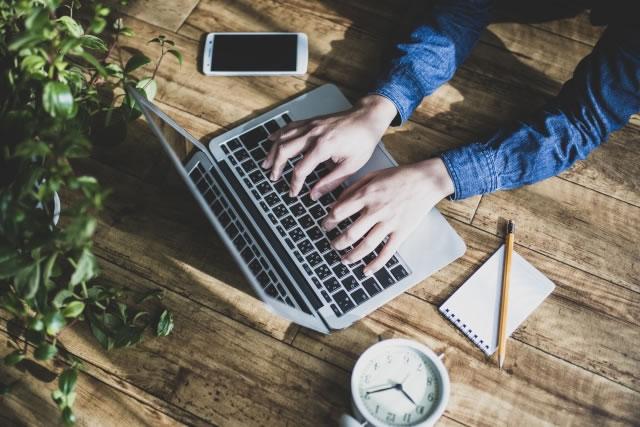 アフィリエイトを始める際におすすめのパソコン
